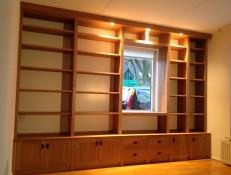 Eiken kastenwand gemaakt door Tempel Meubel meubelmakerij Midden-Drenthe
